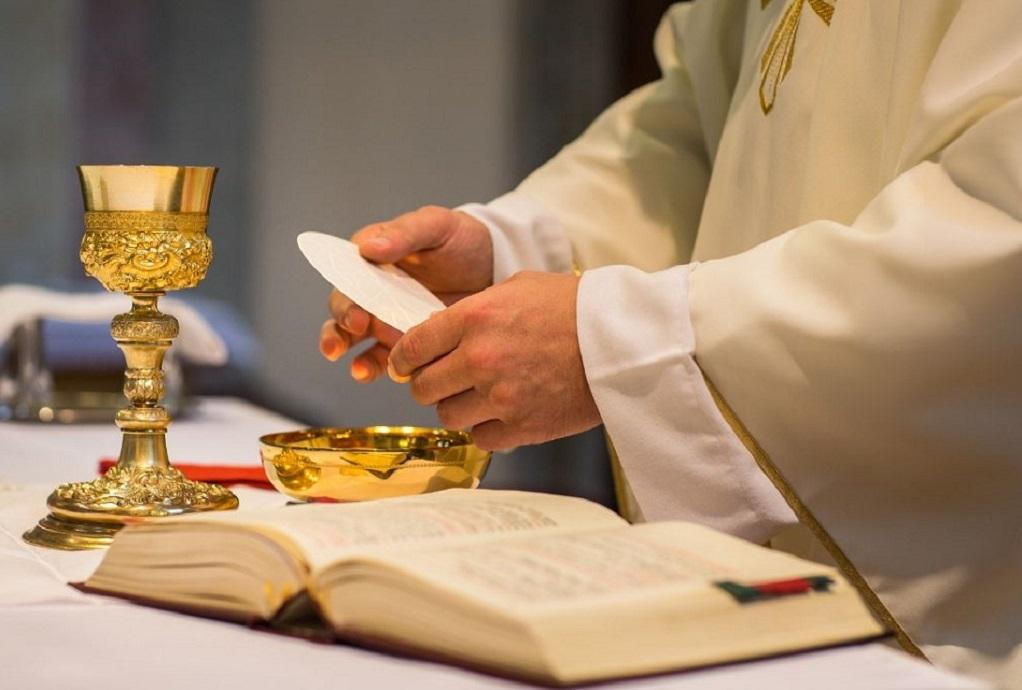 Ιταλία: Αποστάσεις της επισκοπής της Σόρα από τις ξενοφοβικές δηλώσεις ιερέα
