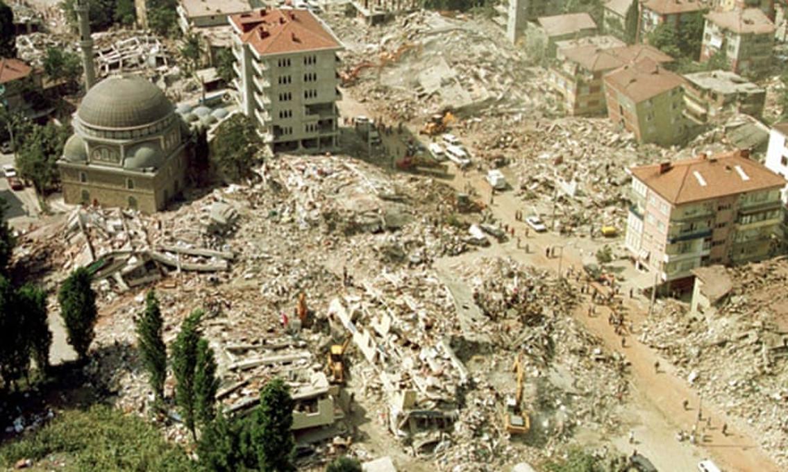 Τουρκία: Έκλεισαν 20 χρόνια από το σεισμό των 7,6 ρίχτερ