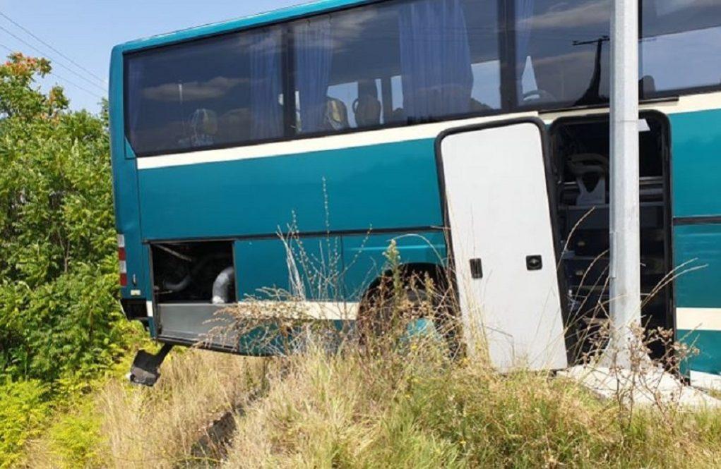 Παραλίγο να πέσει σε γκρεμό, λεωφορείο του ΚΤΕΛ Κέρκυρας (ΦΩΤΟ-VIDEO)