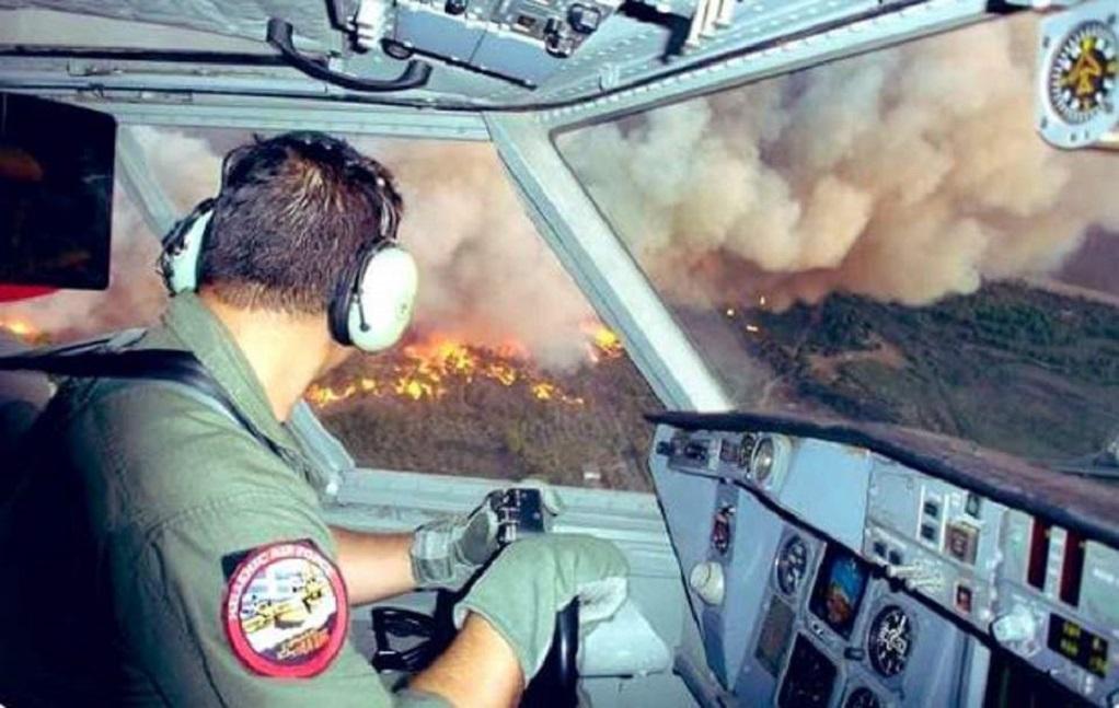Η τόλμη και η αυταπάρνηση των πιλότων στη φωτιά της Εύβοιας (ΦΩΤΟ)