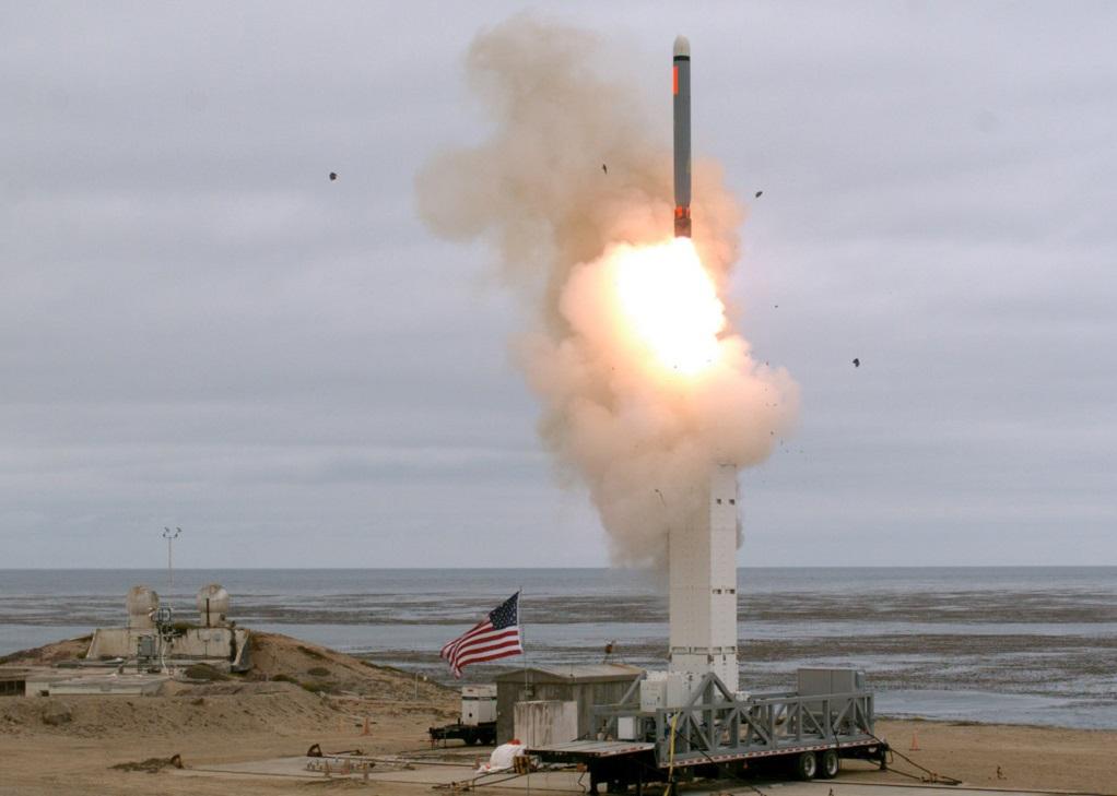 ΗΠΑ: Το Πεντάγωνο προχώρησε σε δοκιμή πυραύλου μέσου βεληνεκούς – Δείτε video με την εκτόξευση