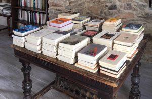 Σίκινος- Χωρίς τράπεζα… αλλά με ένα βιβλιοπωλείο θαύμα!