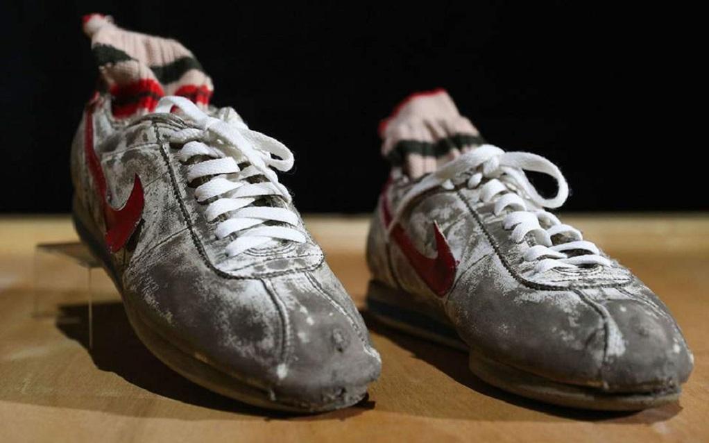 Σε δημοπρασία τα αθλητικά παπούτσια του Forrest Gump (ΦΩΤΟ)