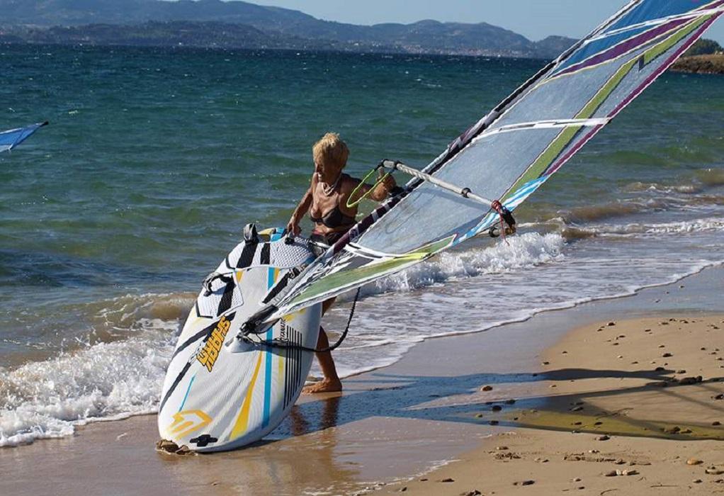 Μια 81χρονη Ελληνίδα windsurfer στο βιβλίο των ρεκόρ Γκίνες
