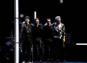 Διακοπές στην Ελλάδα για τον κιθαρίστα των U2