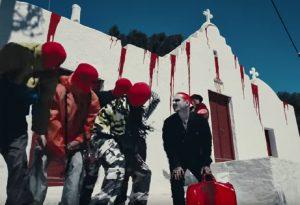 Αντιδράσεις για βίντεο κλιπ με αιματοβαμμένη εκκλησία στη Μύκονο (VIDEO)