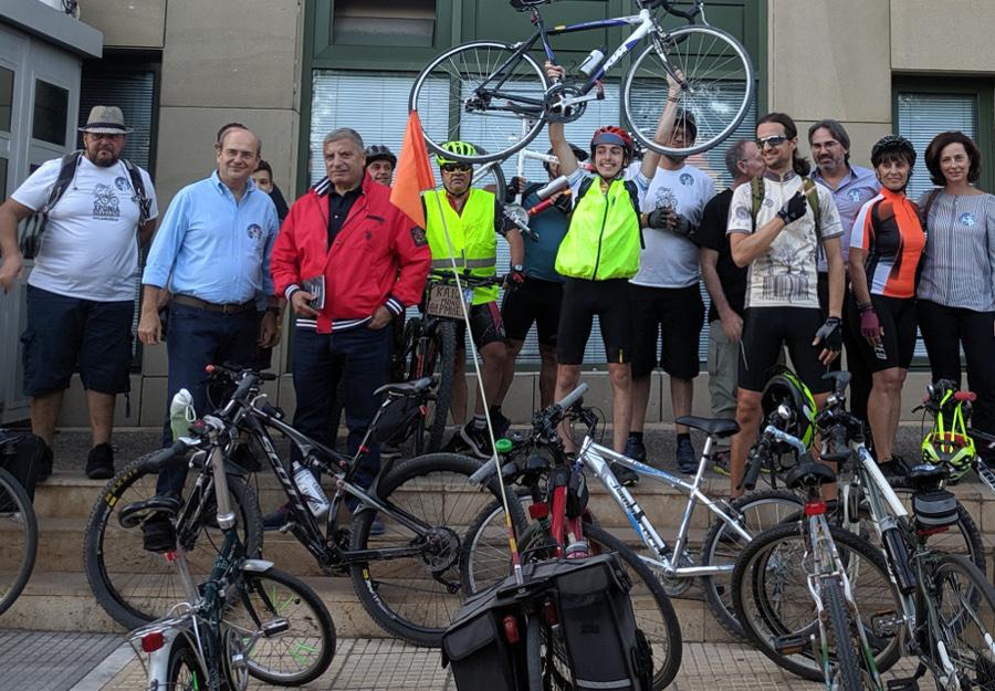 YΠΕΝ: «Ποδαρικό» έκαναν ποδηλάτες στο Κωστή Χατζηδάκη