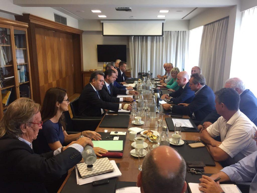Τα «καυτά» προβλήματα του τουρισμού στη συνάντηση ΣΕΤΕ – Υπουργείου