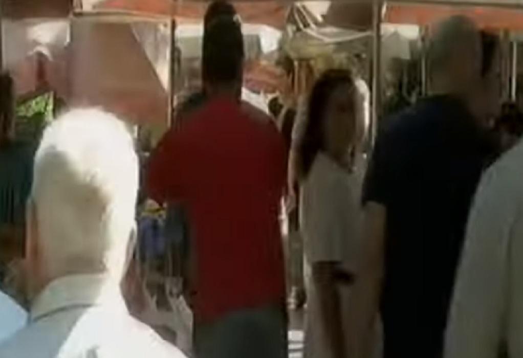 Άγρια συμπλοκή μεταξύ παραγωγών σε λαϊκή- Του δάγκωσαν και του έκοψαν το αυτί (VIDEO)