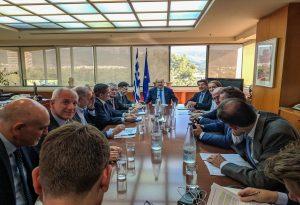 ΥΠΕΝ-ΣΕΒ: Deal για ενέργεια, αδειοδοτήσεις και χωροταξία
