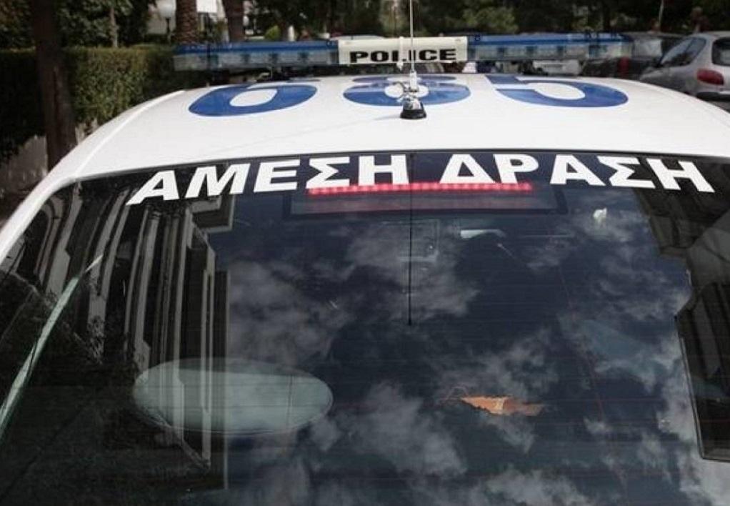 Θεσσαλονίκη: Συνθήματα και πέτρες στα γραφεία της Χρυσής Αυγής
