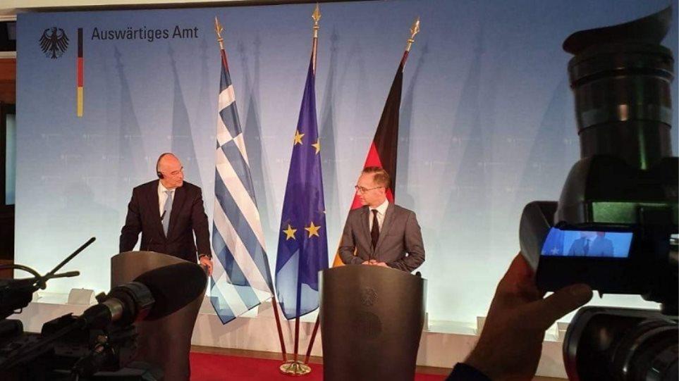 Δένδιας και Μάας αποδοκιμάζουν τις ενέργειες της Τουρκίας σε Κύπρο και ΑΟΖ