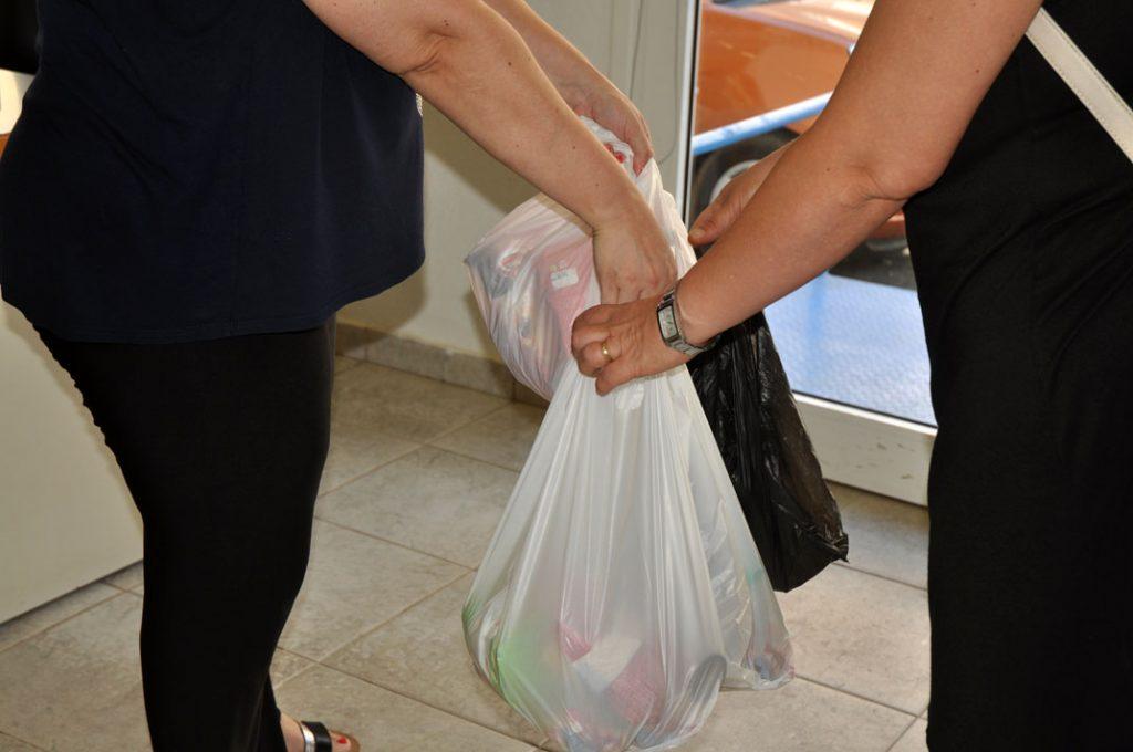 Διανομή Τροφίμων σε δικαιούχους του Κοινωνικού Παντοπωλείου Δήμου Ν. Προποντίδας