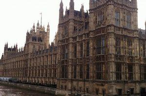 Ανώτατο Δικαστήριο Λονδίνου-Απέρριψε αίτημα για ακύρωση αναστολής λειτουργίας του Κοινοβουλίου