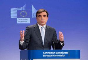 Κομισιόν: Το χαρτοφυλάκιο του μεταναστευτικού θα αναλάβει ο Μ. Σχοινάς