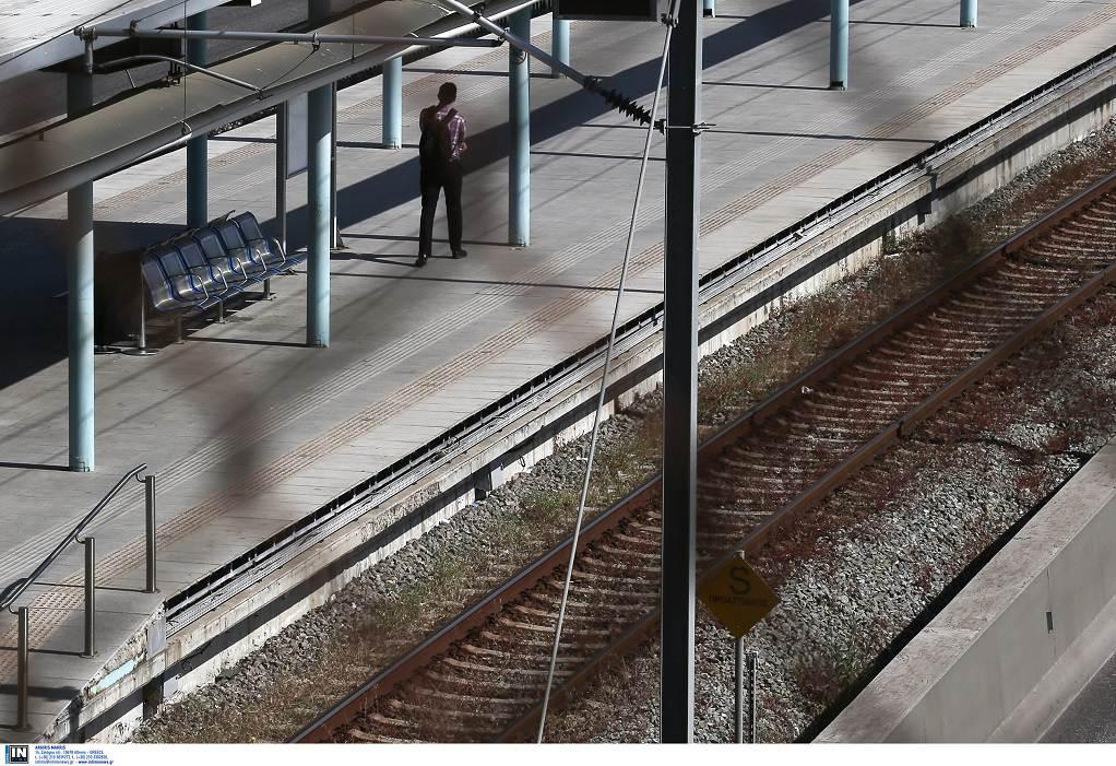 Άνδρας έπεσε στις γραμμές του μετρό στον Άγιο Δημήτριο
