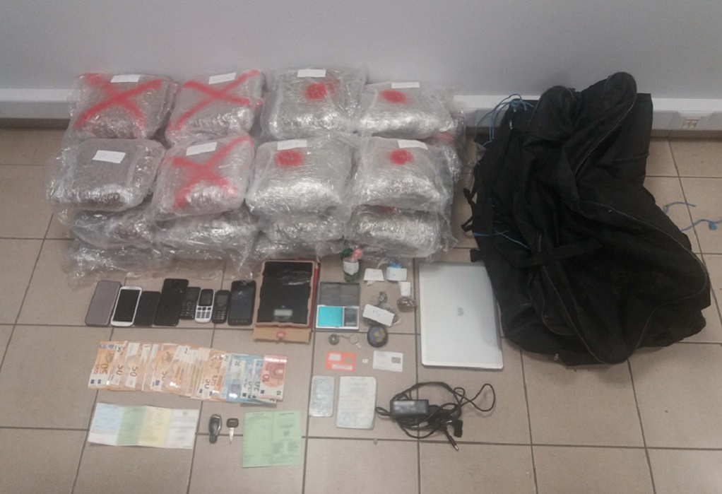 Θεσσαλονίκη: Τρεις συλλήψεις για διακίνηση ναρκωτικών