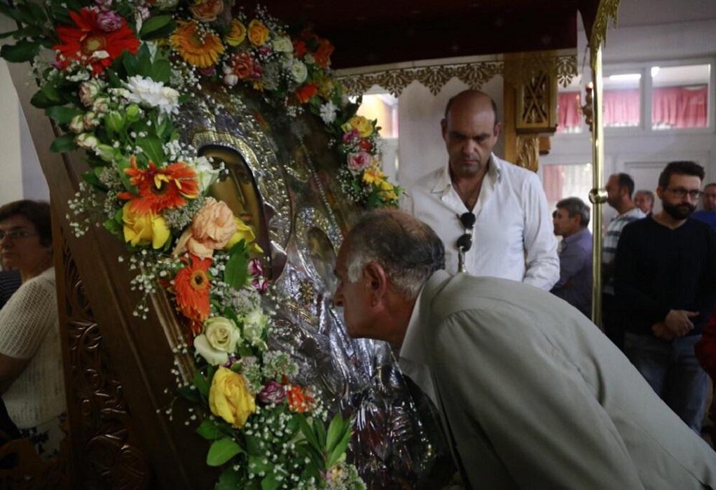 Νέα Ευκαρπία: Πλήθος πιστών στην Παναγία Εσφαγμένη