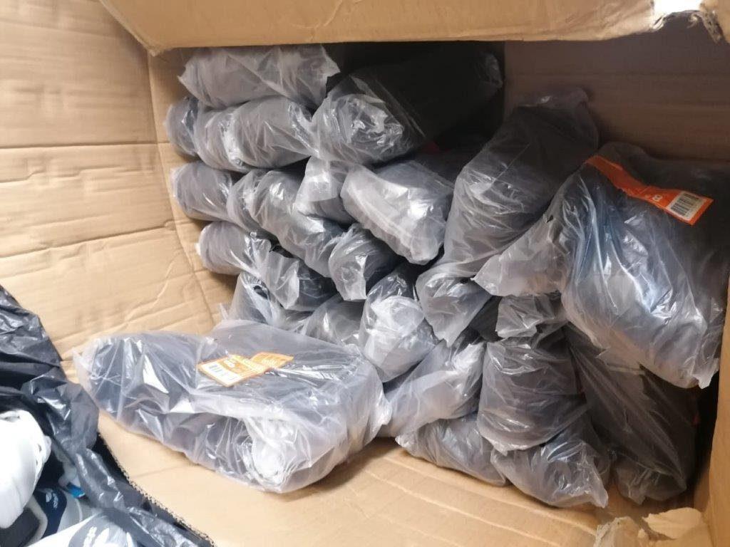Δεκάδες συλλήψεις σε αστυνομική επιχείρηση για απάτες στο ηλεκτρονικό εμπόριο