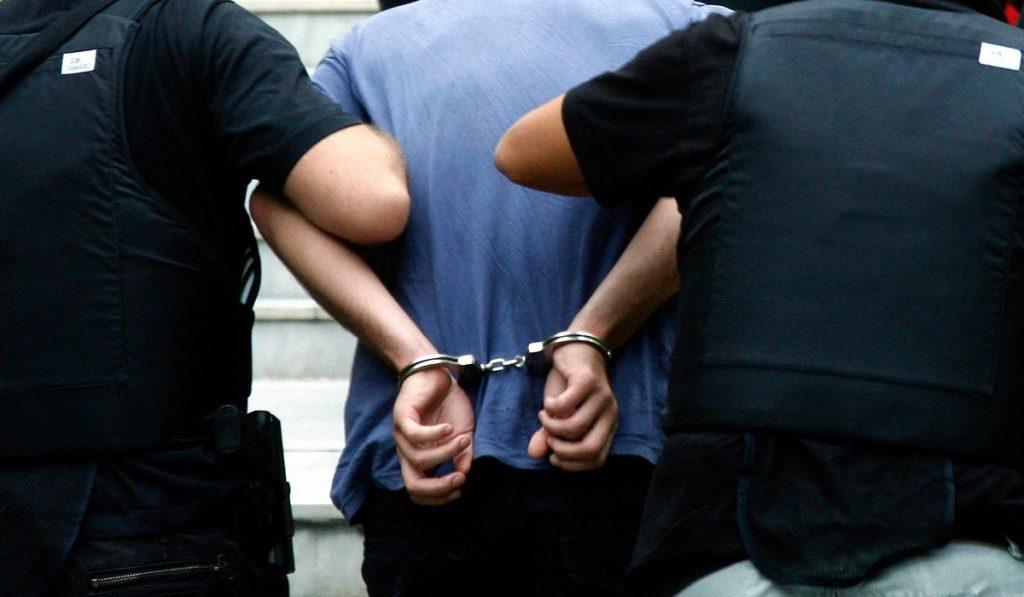 Θεσ/νίκη: Συλλήψεις δύο ατόμων δυνάμει διωκτικών εγγράφων