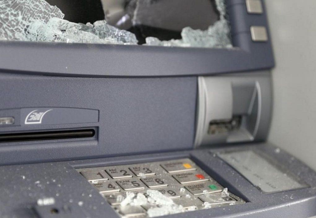 Ανατίναξαν τέσσερα ΑΤΜ σε εμπορικό κέντρο – Αφαίρεσαν χρήματα