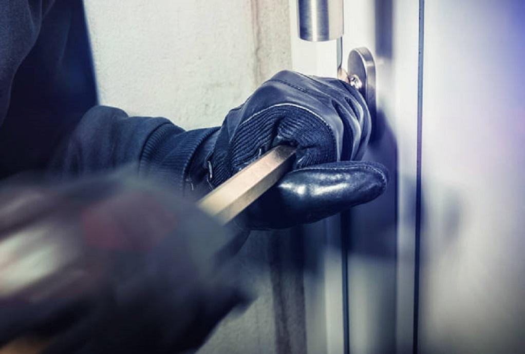 Τέσσερις συλλήψεις για δεκάδες κλοπές, ληστείες, διαρρήξεις ...