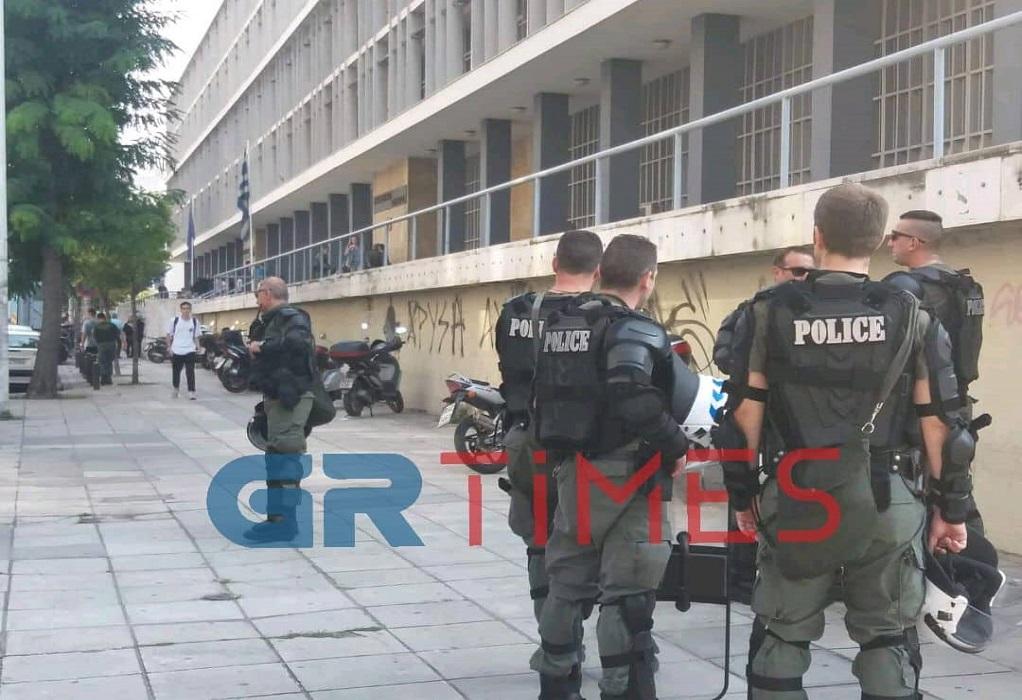 Θεσσαλονίκη: Στον εισαγγελέα οι 19 συλληφθέντες αντιεξουσιαστές (ΦΩΤΟ-VIDEO)
