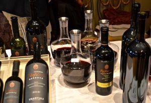 Financial Times: Λατρεία για τα ελληνικά κρασιά
