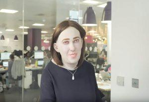 Αυτή είναι η Έμμα, η εργαζόμενη του μέλλοντος (VIDEO)