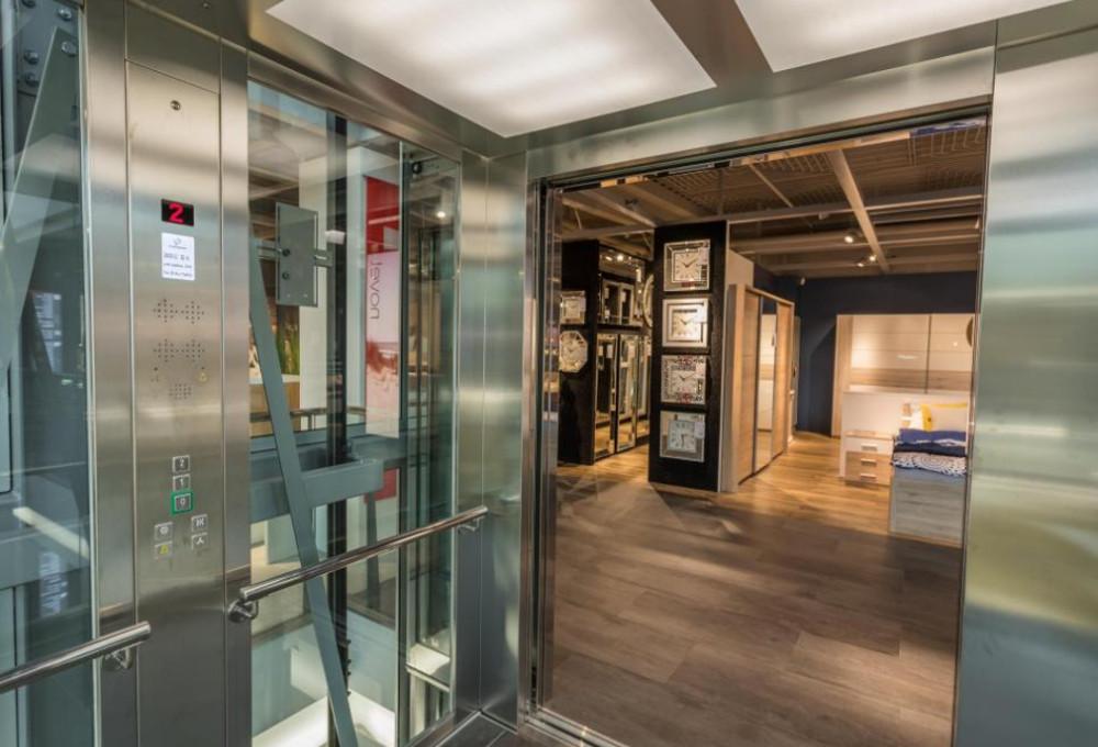 Κleemann: Καινοτομεί με αντιμικροβιακό θάλαμο ανελκυστήρα