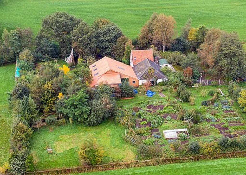 Ολλανδία : Οικογένεια ζούσε κλεισμένη σε κελάρι φάρμας επί 9 ολόκληρα χρόνια