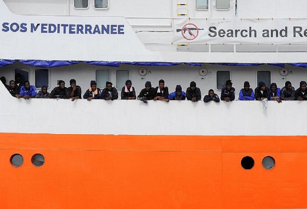 Γαλλική ΜΚΟ ζητά λιμάνι για 104 μετανάστες
