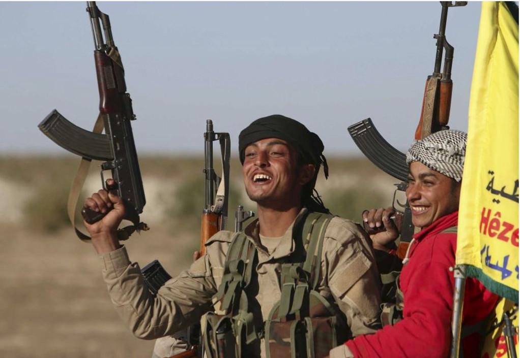 Αλλάζουν τα δεδομένα στη Συρία – Συμφωνία Κούρδων με Δαμασκό για την ανάπτυξη στρατού