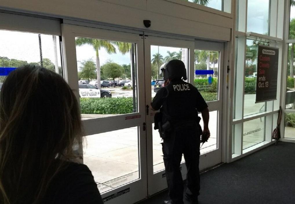 Συναγερμός στη Φλόριντα: Πυροβολισμοί σε εμπορικό κέντρο
