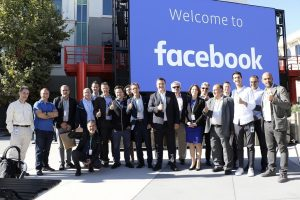 Πρόταση του Α. Τζιτζικώστα στη Facebook να λειτουργήσει παράρτημά της στη Θεσσαλονίκη