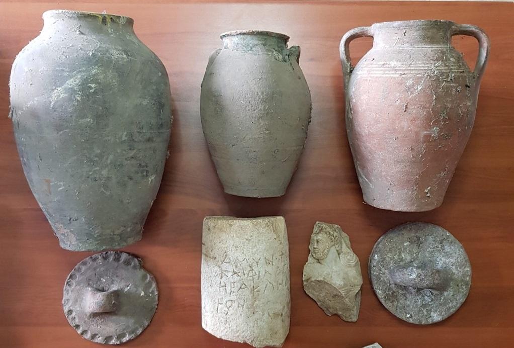 Γρεβενά: Συνελήφθη ηλικιωμένος με αρχαία αντικείμενα στην κατοχή του