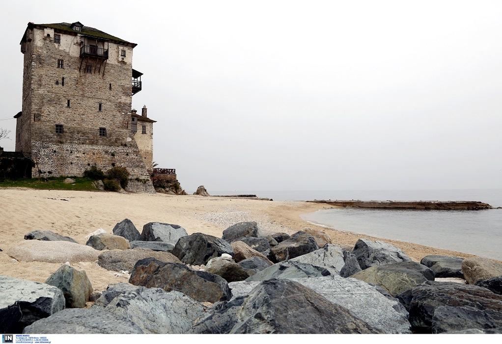 """""""Ανθεί"""" ο προσκυνηματικός τουρισμός στο Άγιο Όρος – Νέο πλοίο στη γραμμή Ουρανούπολη – Δάφνη"""