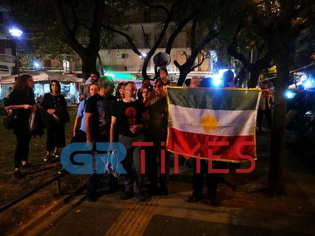 """""""Σταματήστε τη σφαγή στη Συρία"""" φωνάζουν διαδηλωτές στη Θεσσαλονίκη (ΦΩΤΟ-VIDEO)"""