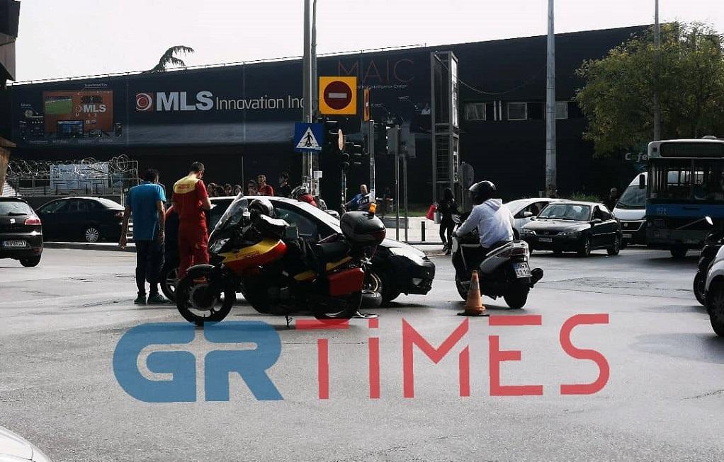 Τροχαίο με μηχανή στο κέντρο της Θεσσαλονίκης – Ένας τραυματίας (ΦΩΤΟ)