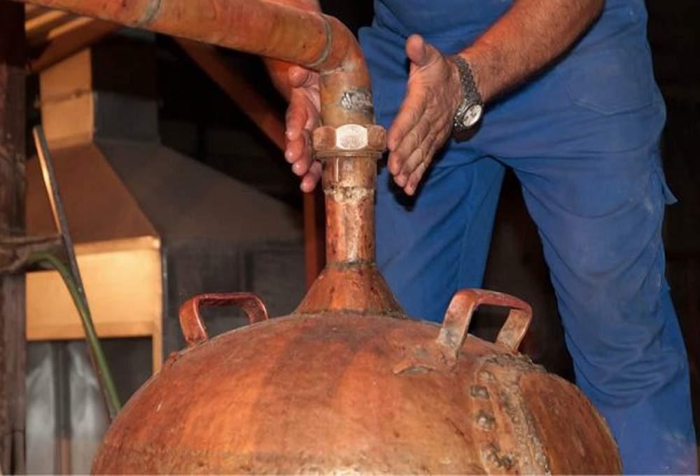 Το Τυρναβίτικο τσίπουρο στοιχείο πολιτιστικής κληρονομιάς