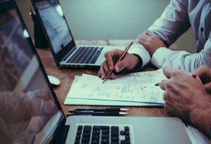 Έρευνα για τη σεξουαλική παρενόχληση στην εργασία
