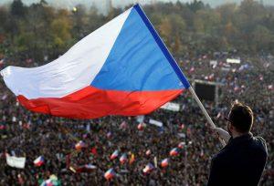 Κορωνοϊός: Επεισόδια στην Τσεχία εξαιτίας των περιοριστικών μέτρων