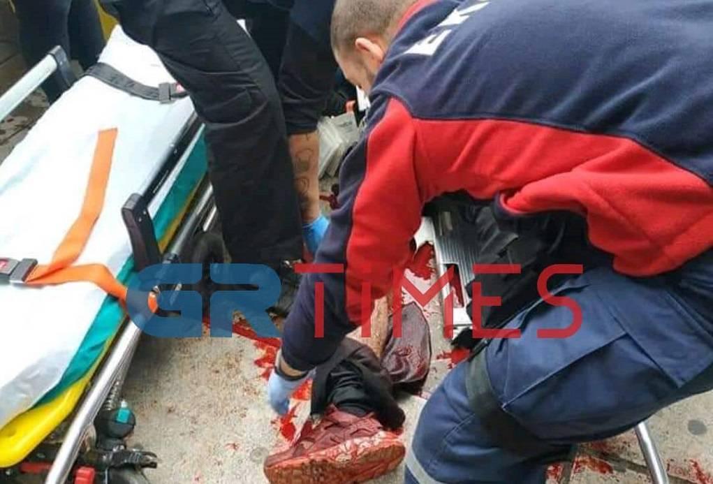Μαχαίρωσαν αλλοδαπό στο κέντρο της Θεσσαλονίκης (ΦΩΤΟ)
