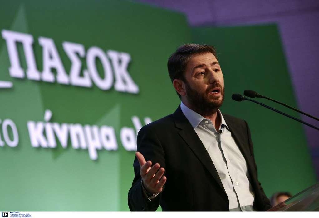Ανδρουλάκης: Η κυβέρνηση εμπαίζει τους επιστήμονες