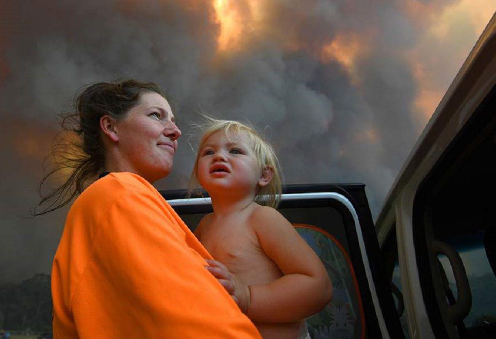 Αυστραλία: Χιλιάδες εγκαταλείπουν τις εστίες τους για να γλιτώσουν από τις φλόγες