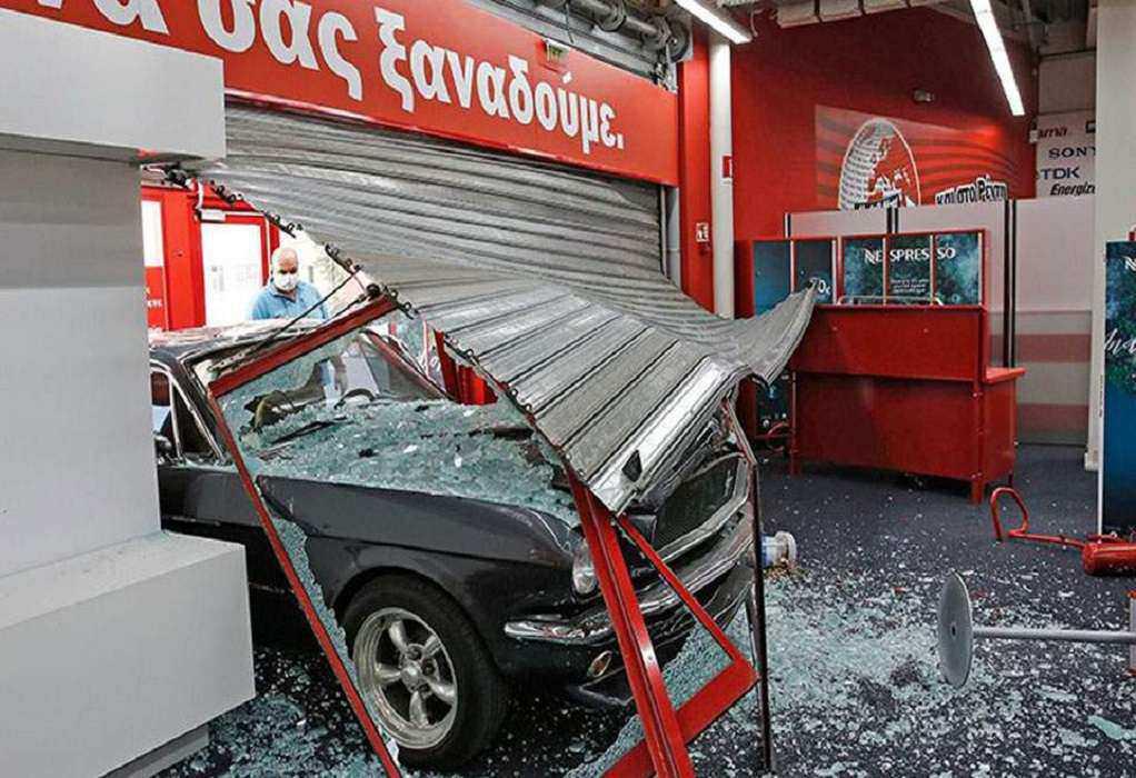 Δάφνη: «Μπούκαραν» σε κοσμηματοπωλείο με αυτοκίνητο