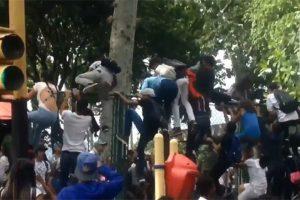 Βενεζουέλα: Μία νεκρή και 19 τραυματίες σε συναυλία ραπ