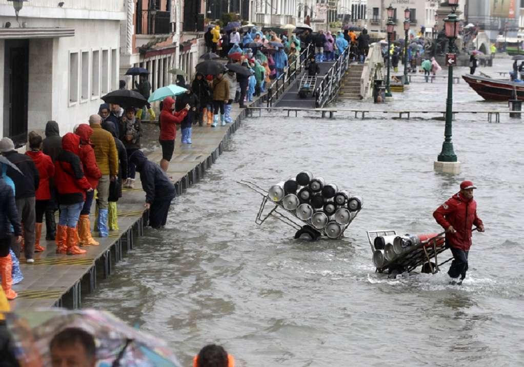 Βενετία: Έκλεισε η πλατεία του Αγίου Μάρκου εξαιτίας νέας πλημμύρας