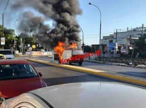 Κιάτο: Φορτηγό πήρε φωτιά εν κινήσει! (ΦΩΤΟ)