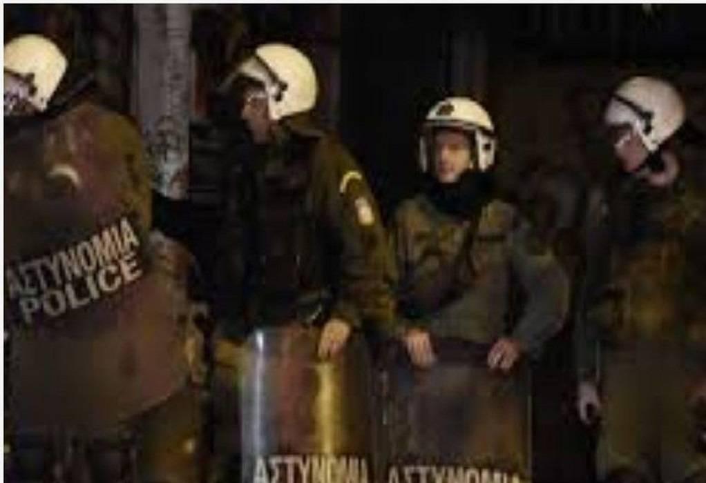Πάτρα: Μολότοφ και δακρυγόνα για το Πολυτεχνείο (ΦΩΤΟ-VIDEO)